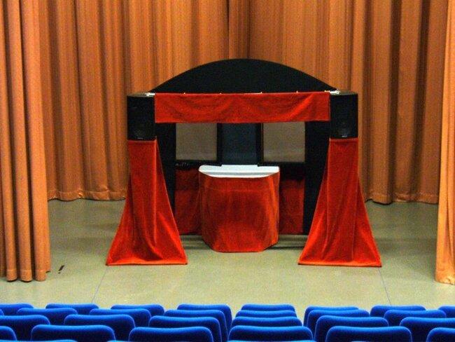 le grand castelet la compagnie des skowi s spectacles de marionnettes fils ombres chinoises. Black Bedroom Furniture Sets. Home Design Ideas